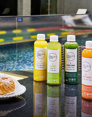 acuzzi & juice bar